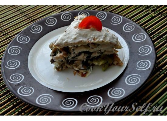 Пирог из омлета с начинкой из куриного филе
