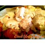 Куриные рулетики с сыром в сметанно-чесночном соусе