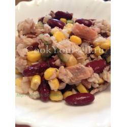 Салат с тунцом, рисом и фасолью