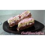 Двухслойный шоклодано-кокосовый тортик с вишневой начинкой